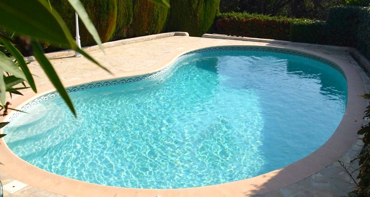 Frankreich Pool
